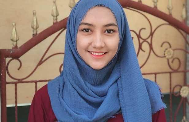 Cara Memakai Hijab Pashmina Simpel Warna Biru Yang Fresh