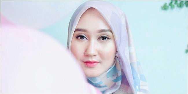 Tutorial Hijab Berikut Ini Cocok Untuk Wajah Bulat Anda