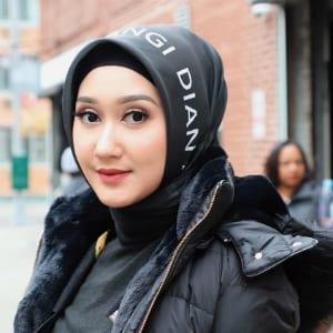 Tutorial Hijab Segi Empat Motif Pelangi