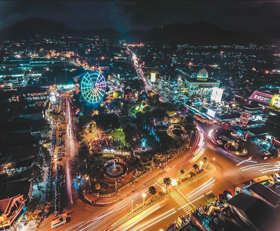 10 Inspirasi Swafoto di Alun Alun Kota Batu Malang Raya
